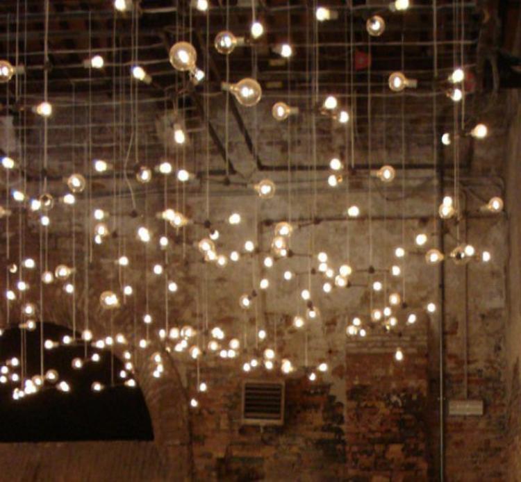 glübirnen-als-lichter-ketten-schick-edel-besonders-modern-fein-einzigartig