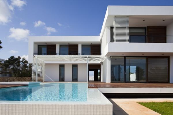ferienwohnung-in-weiß-mit-pool