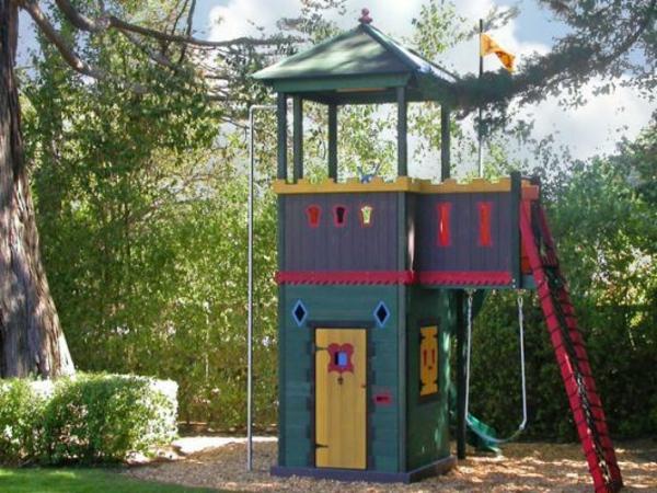 super-tolles-kinderhaus-mit-schaukel-zum-spaß