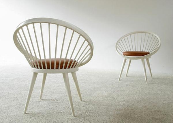 schwedisches Möbel - zwei elegante stühle