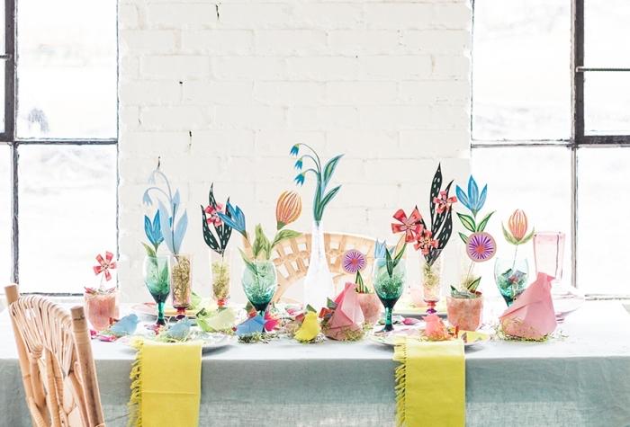 tischdeko frühling, osterdeko für den tisch, bastelideen zum ostern, selbstgemachte papierblumen