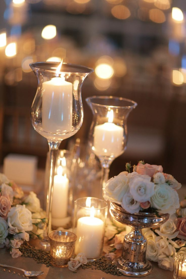 tischdeko-hochzeit-deko-hochzeit-dekorationsideen-kerzen-in-gläsern