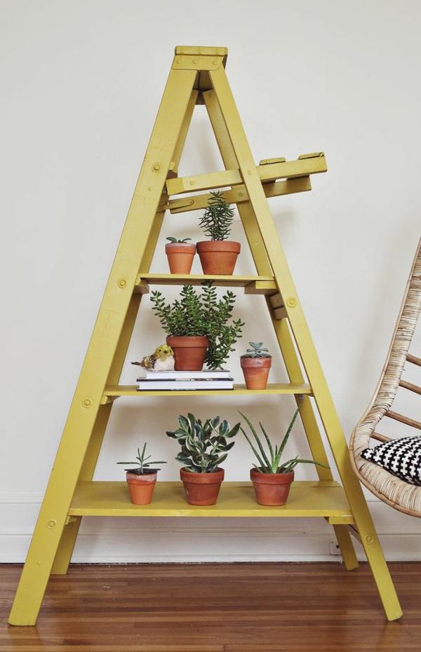 tolles-interior-design-ideen-leiter-holz-in-gelb-im-wohnzimmer