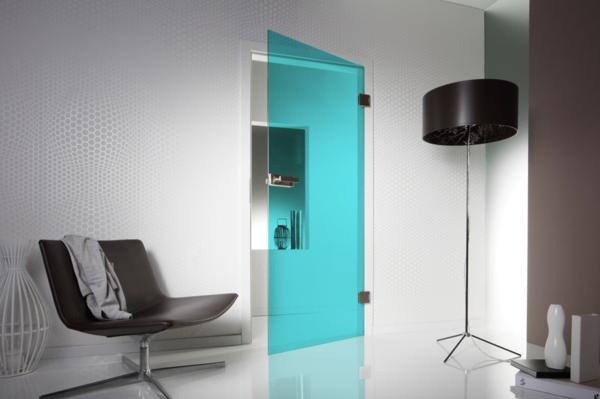 ultra-moderne-und-effektvolle-glastür-in-blau-innentüren-design
