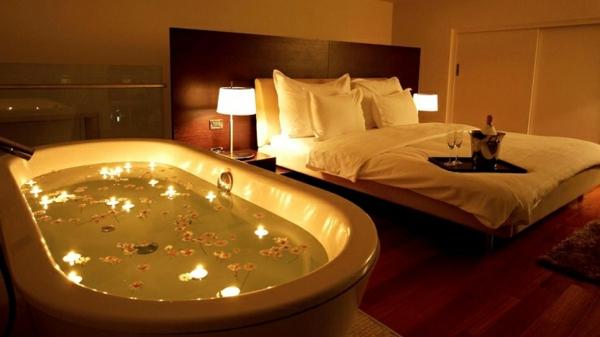 Romantisches Schlafzimmer Mit Kerzen PostaPlan.com U003d Badewanne Romantisch  Dekorieren ~ Badewanne Design .