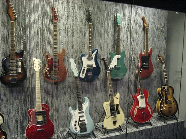 viele-verschiedene-vintage-guitars