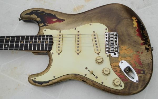 vintage-guitars-sehr-interessantes-erscheinen