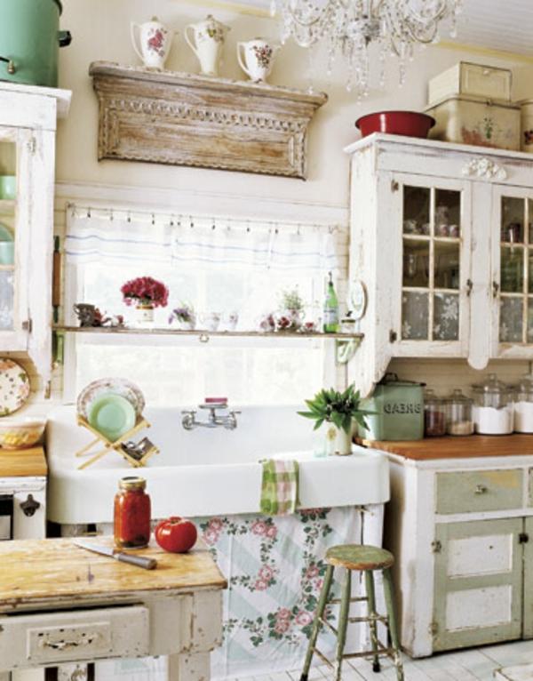 vintage-küche-mit-weißen-möbelstücken
