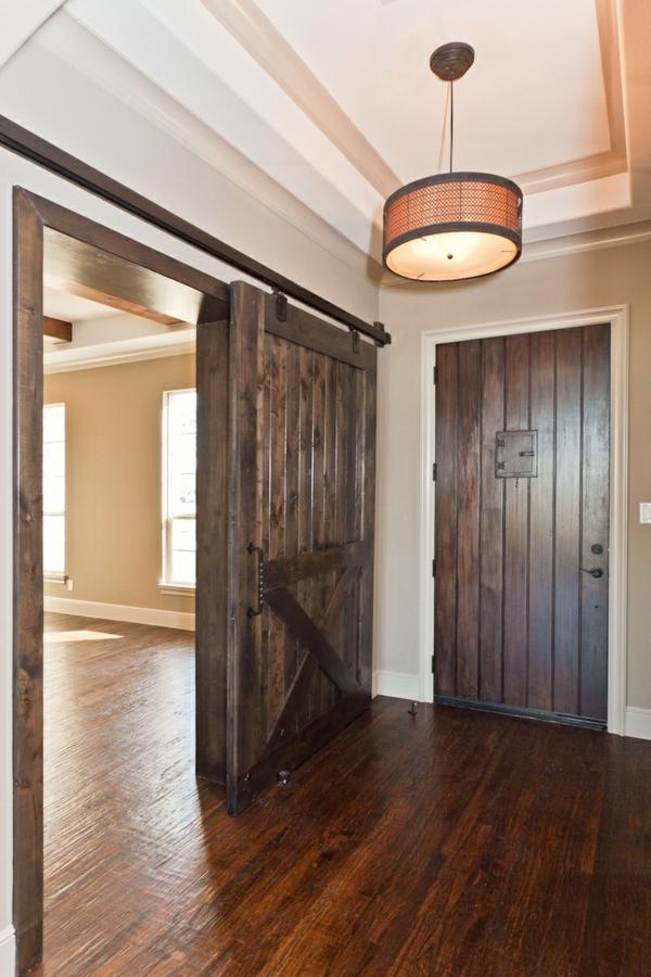 schiebet ren aus holz eine tolle option f r den wohnraum. Black Bedroom Furniture Sets. Home Design Ideas