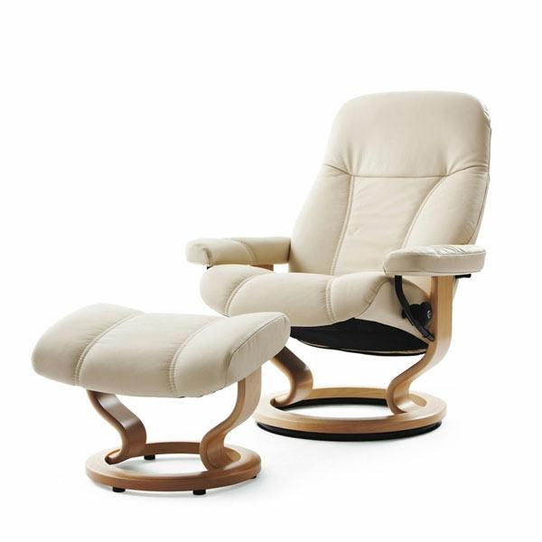 Weißer Moderner Schön Aussehender Stressless Sessel Weißer Hintergrund