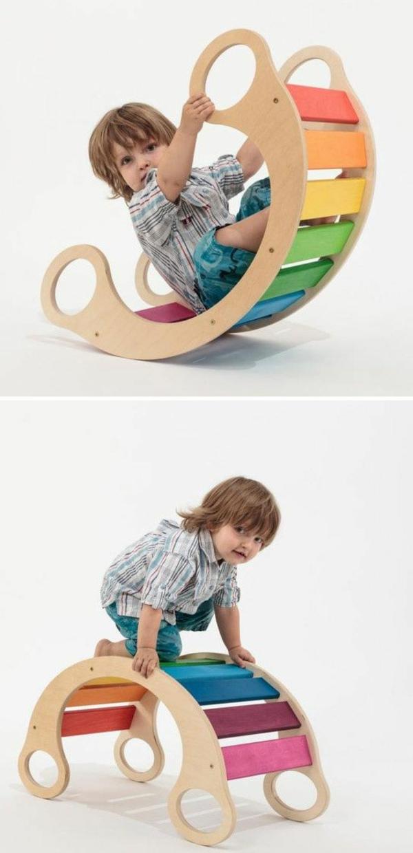 wippen-aus-holz-garten-gestalten-spielgeräte-garten-kinderspielzeug