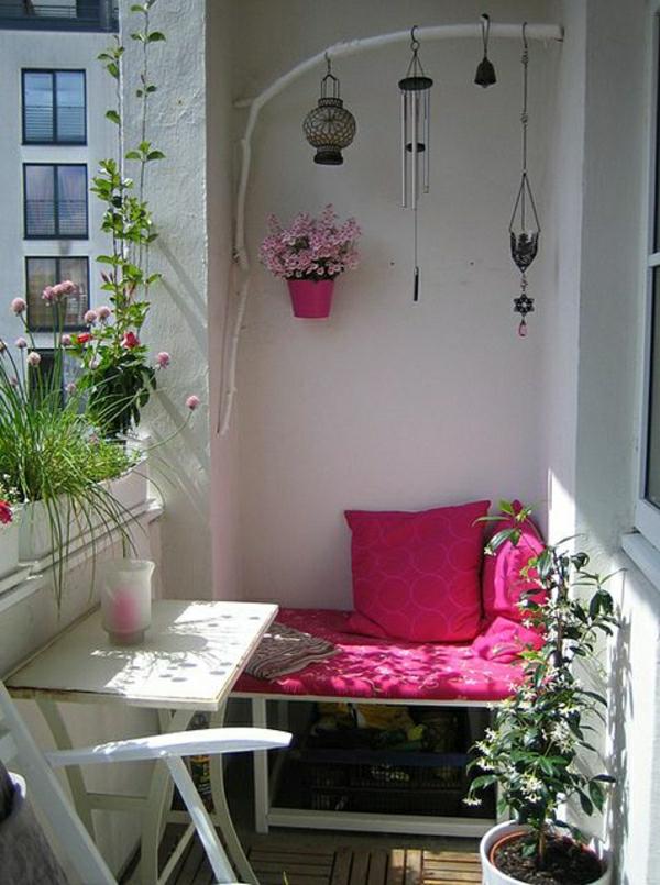 wunderbare-komfortable-balkonmöbel-schönes-design
