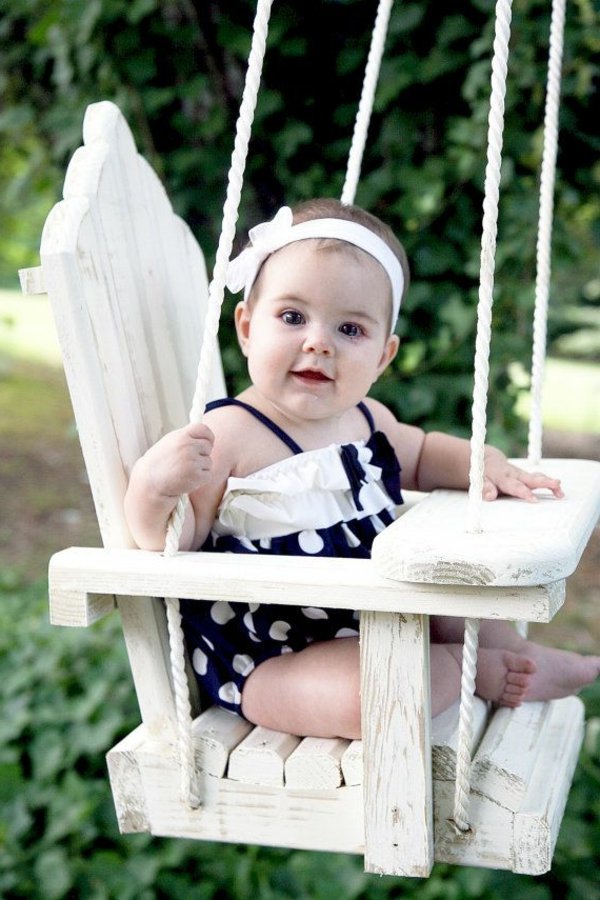 wunderbare-weiße-gartenschaukel-holz-für-babyssuper-tolle-wohnideen