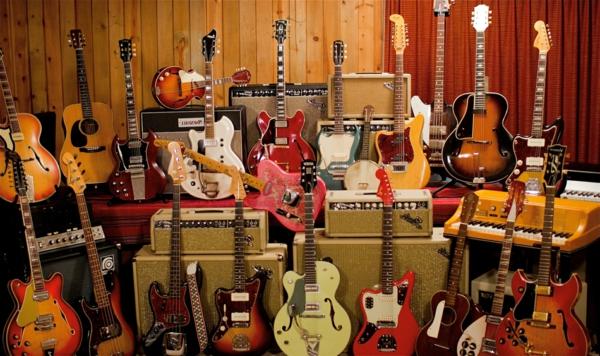 zahlreiche-coole-vintage-guitars