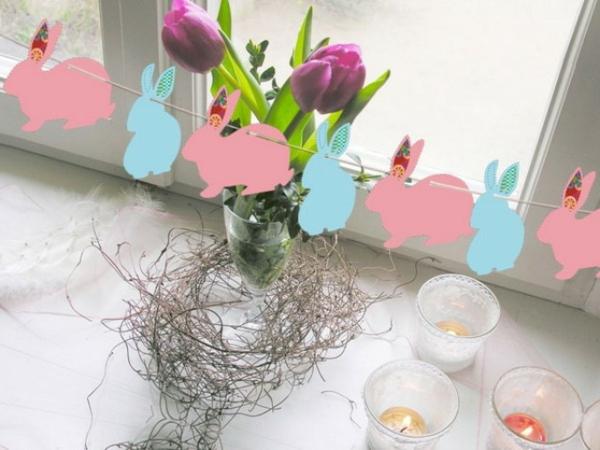 Deko-Ostern-Osterhasen-ausschneiden-basteln-rosa-blau-Kinderzimmer-Tulpen