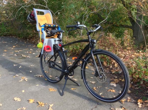 Fahrradsitz-Kinder-modernes-praktisches-Modell--