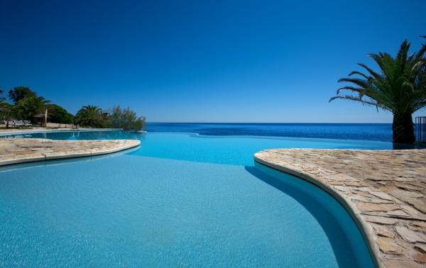 Hotel Costa dei Fiori Pula, piscina fronte mare vacanze sud Sardegna