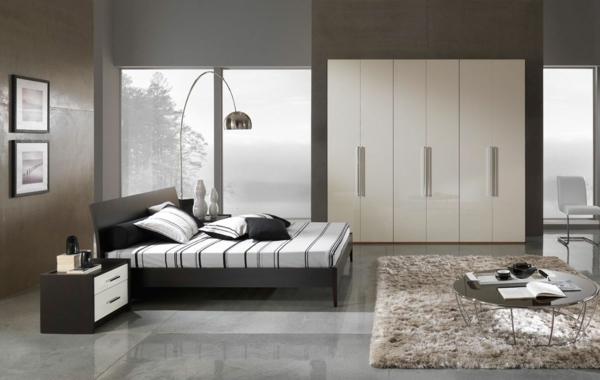 Modernes-Schlafzimmer-gestalten-Bodenlampe-Beige-Teppich