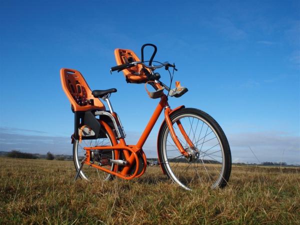 Orange-Fahrradsitz-Kinder-modernes-praktisches-Modell