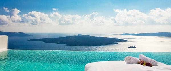 Santorini--schwimmbecken-design-idee-infinity-pool-wunderschönes-design