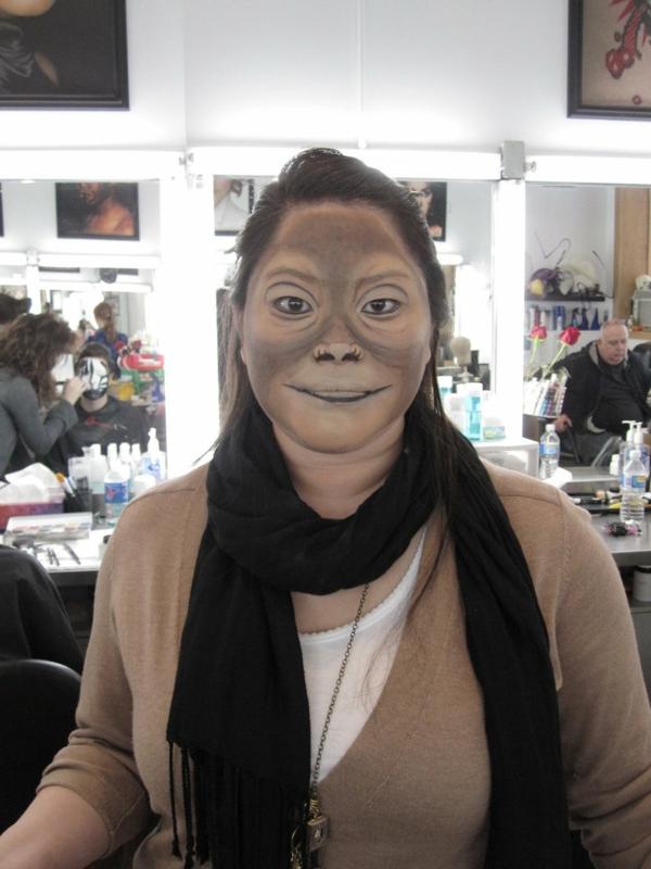 affe-schminken-sehr-lustig-aussehen