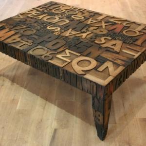 25 besonders auffällige vintage Tische!