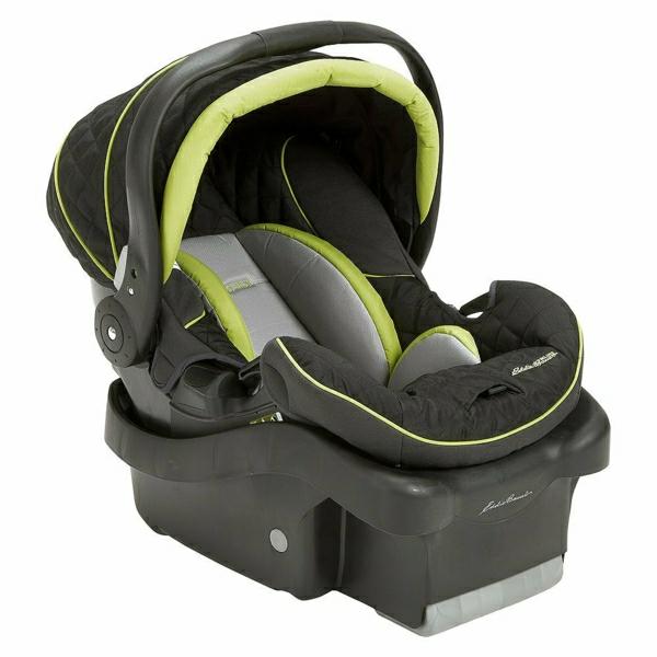 autokindersitz-modernes-design-sicherheit-im-auto-babysitz-auto---