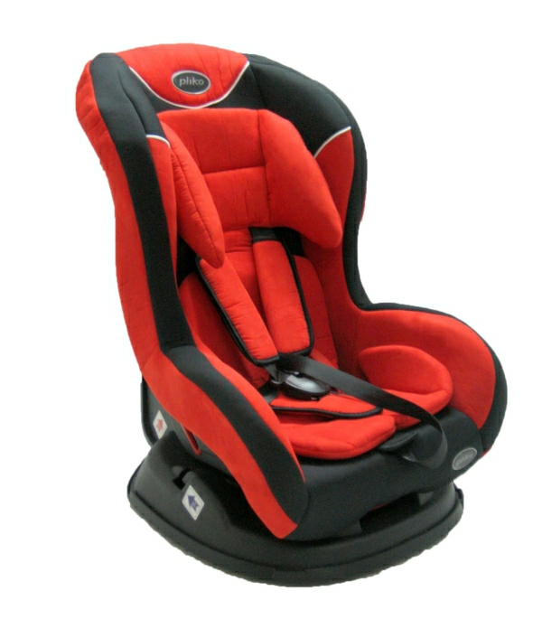 autokindersitz-modernes-design-sicherheit-im-auto-rote-farbe-