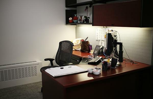 AuBergewohnlich Büroraum Gestalten Brauner Schreibtisch