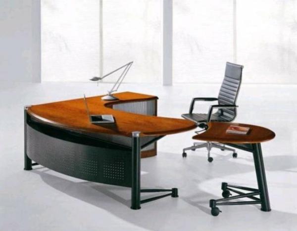 büroraum-gestalten-ein-sehr-modernes-design-vom-schreibtisch