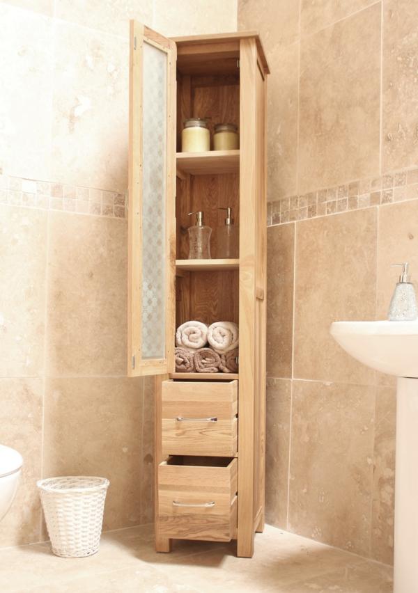 badezimmer-hölzerne-möbel-eleganter-schrank