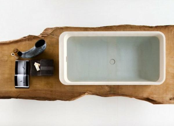 badezimmer-hölzerne-möbel-foto-von-oben-genommen