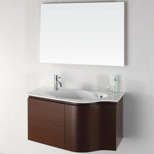 badezimmer-hölzerne-möbel-großer-spiegel