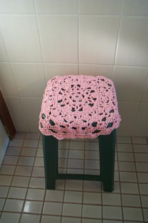 badezimmer-hocker-rosiges-schickes-modell