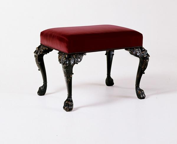barock-hocker-rotes-cooles-modell