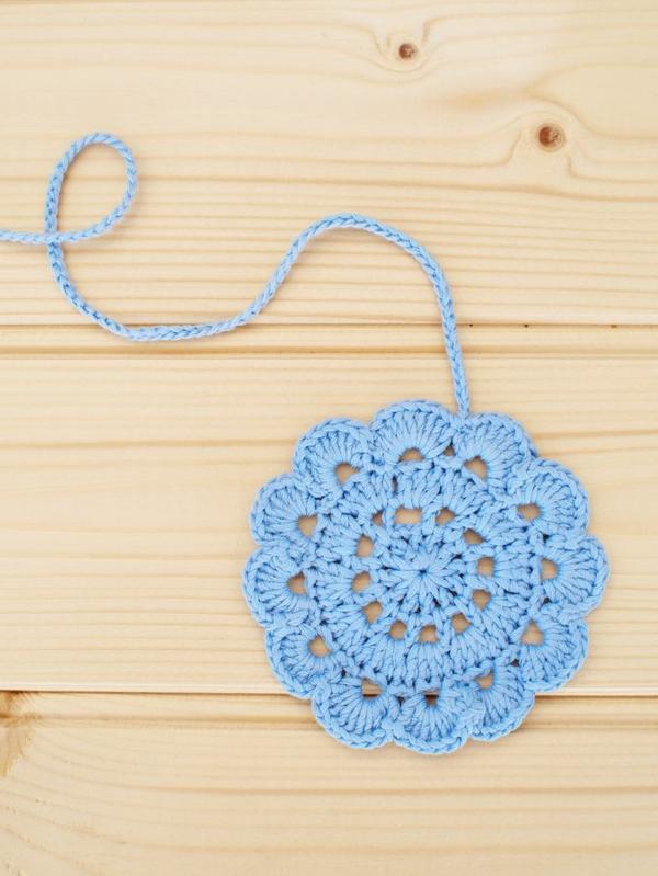 blaue-blumen_häkeln-wunderschöne-kreative-häkeleien-blumen-