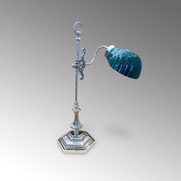 blaue-schreibtischlampen-designer-lampen-modernes-interior-design