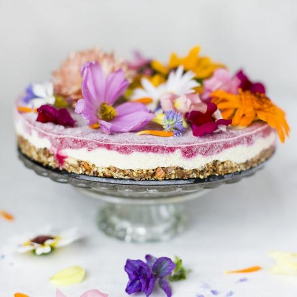 cheesecake-blumendeko-für-die-salate-blumen-zum-essen