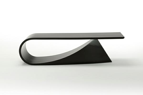 coole-designer-möbel-tisch-mit-kreativer-form