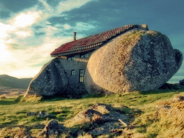 coole-gebäude-außergwöhnliche-architektur-haus-aus-stein