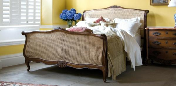 bett im französischen stil - sehr schönes schlafzimmer