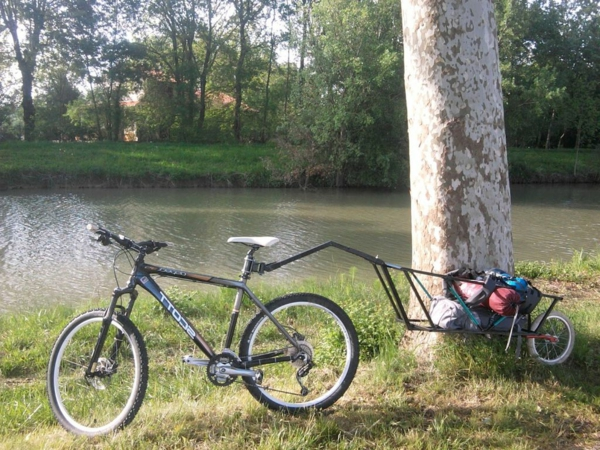 design-fahrrad-anhänger-test-fahrrad-accessoires-hochwertige-modelle