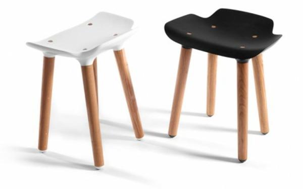 designer-hocker-modelle-in-weiß-und-schwarz