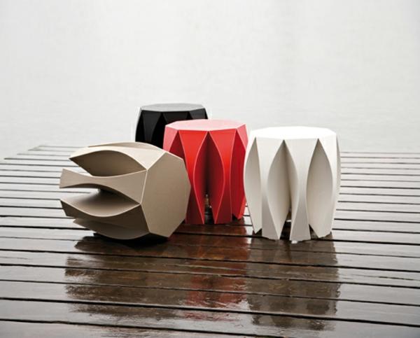 designer-hocker-vier-coole-modelle-auf-dem-wasser