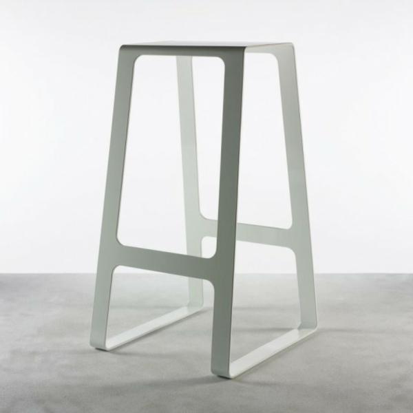 designer-hocker-weißes-modell