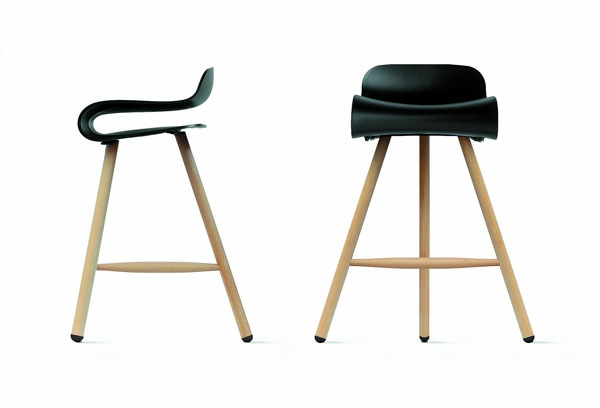 designer-hocker-zwei-attraktive-stücke