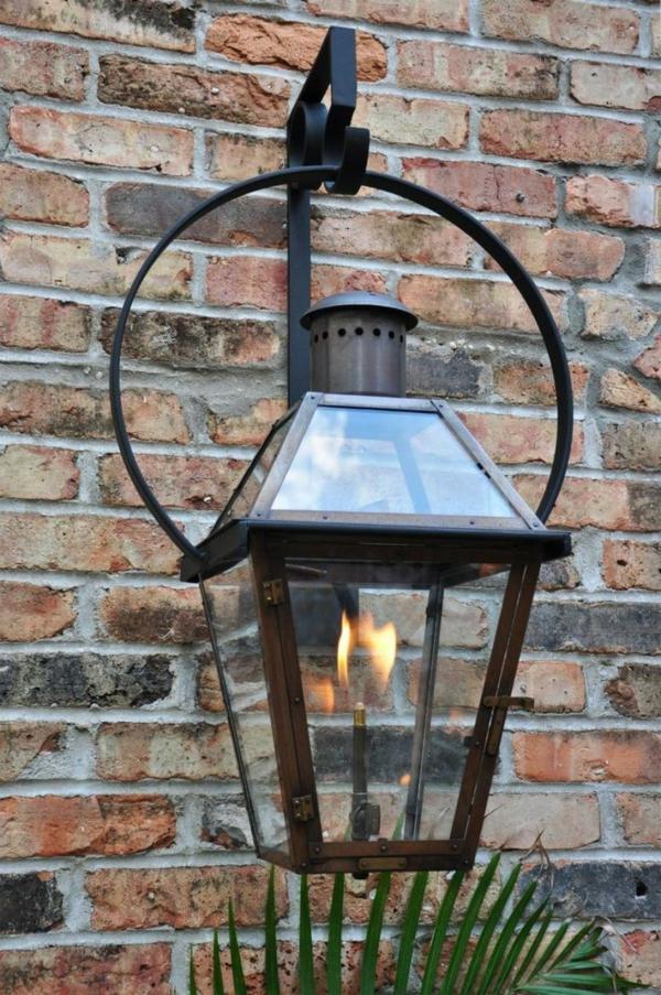 effektvolle-gestaltungsideen-für-den-garten-gartenlampen