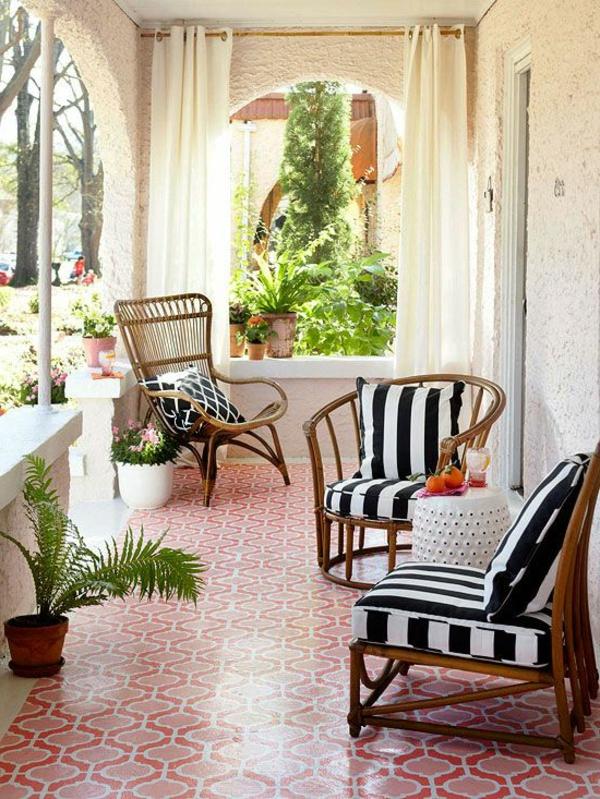 effektvoller_boden-in-rot-terrasse-einrichten-design-terrassen