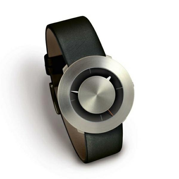 eine-schwarze-leder- armbanduhr-herren-design-idee-