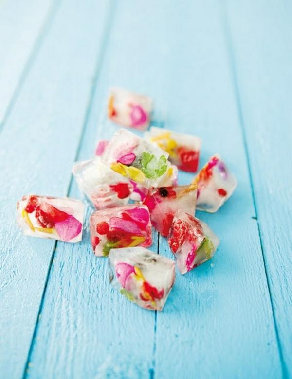 eis-mit-blüten-blumen-zum-essen-blumen-blüten